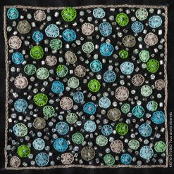 carré 10 cm à broder petits motifs verts et argent avec perles et paillettes Kit broderie carré Chahana par KEITO STUDIO