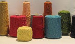 laine en pelote et en cône pays nordiques Cours particulier de tricot et broderie