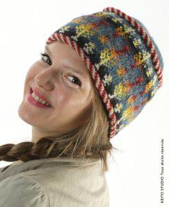 bonnet tricot en rond aiguille circulaire 3,3 passepoils rayé et doublure bonnet Eeti fleurs