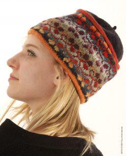 bonnet en jacquard tissé sur aiguille circulaire motif trèfle bleu orange beige kit bonnet Eeti trèfle bleu