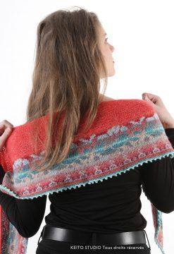 chauffe épaule cachemire avec bordure pure laine jacquard Kit châle Elina Roses par Keito Studio