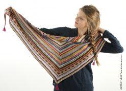 petit motifs et rayures pour ce châle vite tricoté sur des aiguilles 3,5 châle tricot Louisa par KEITO STUDIO