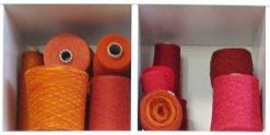 cônes de laine rouge Atelier tricot libre